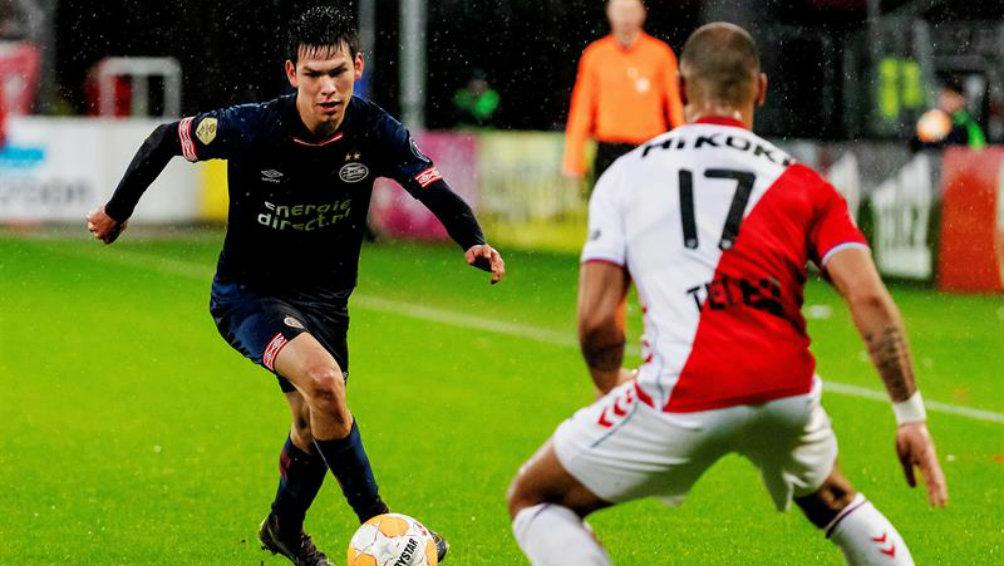 Lozano durante el partido contra Utrecht  ea7c04bfd8e