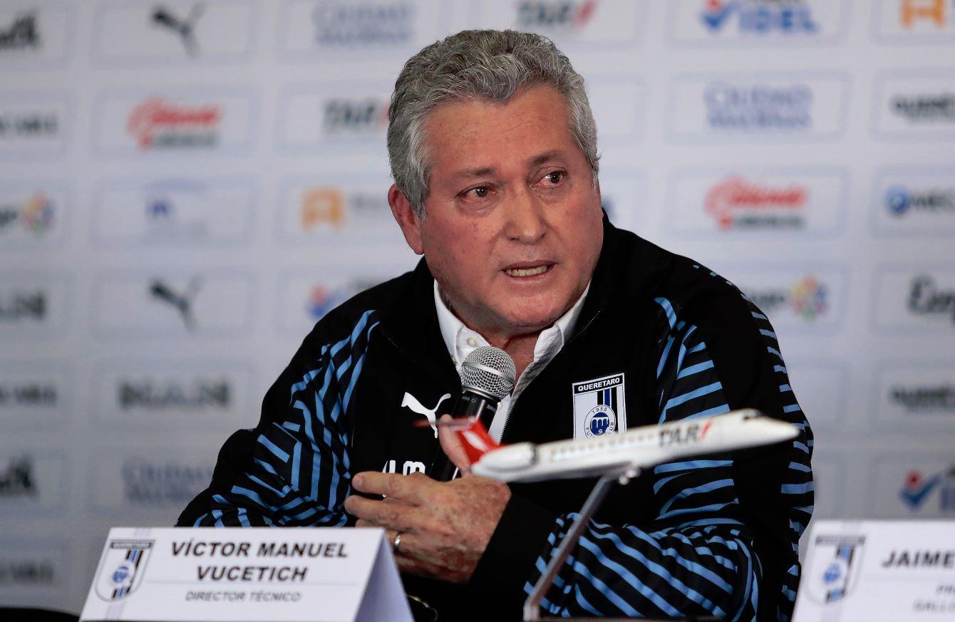 Roberto Hernández deja de ser técnico de Monarcas