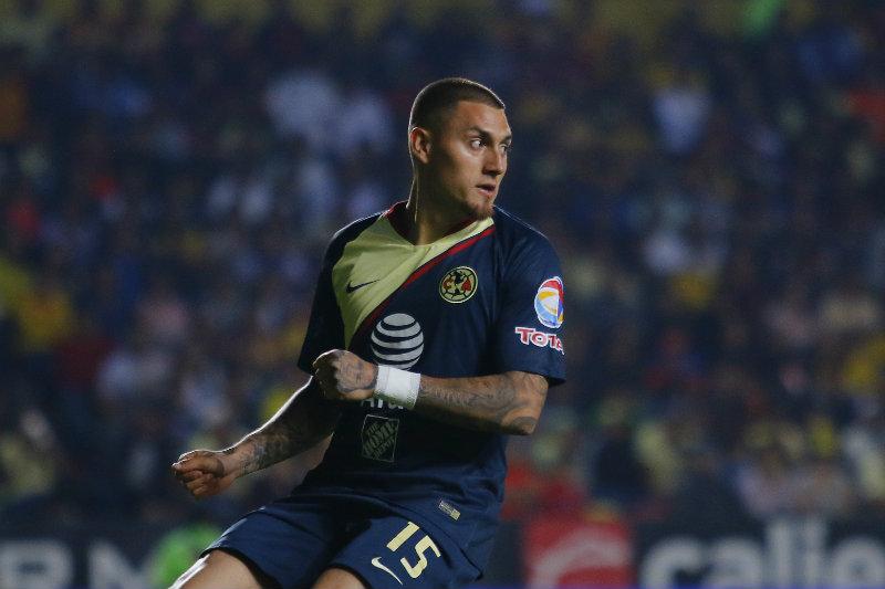 Nico Castillo durante el juego ante Morelia  9e8464493