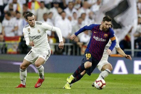 Bale durante el Clásico Español  12683696475