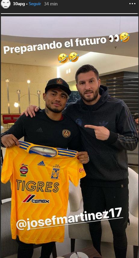 André-Pierre Gignac se tomó una foto con Josef Martínez
