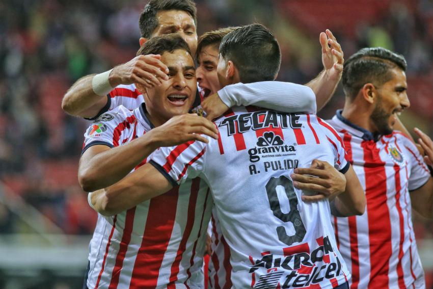 Chivas celebra victoria en el Clásico Tapatío