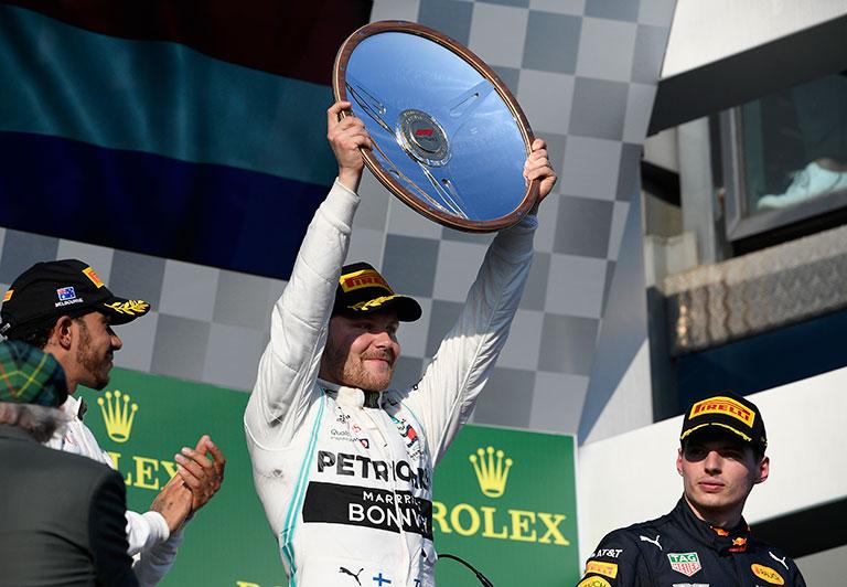 Valtteri Bottas celebra su triunfo en Australia