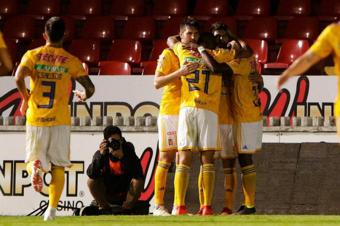 Tigres festejando un gol ante Veracruz