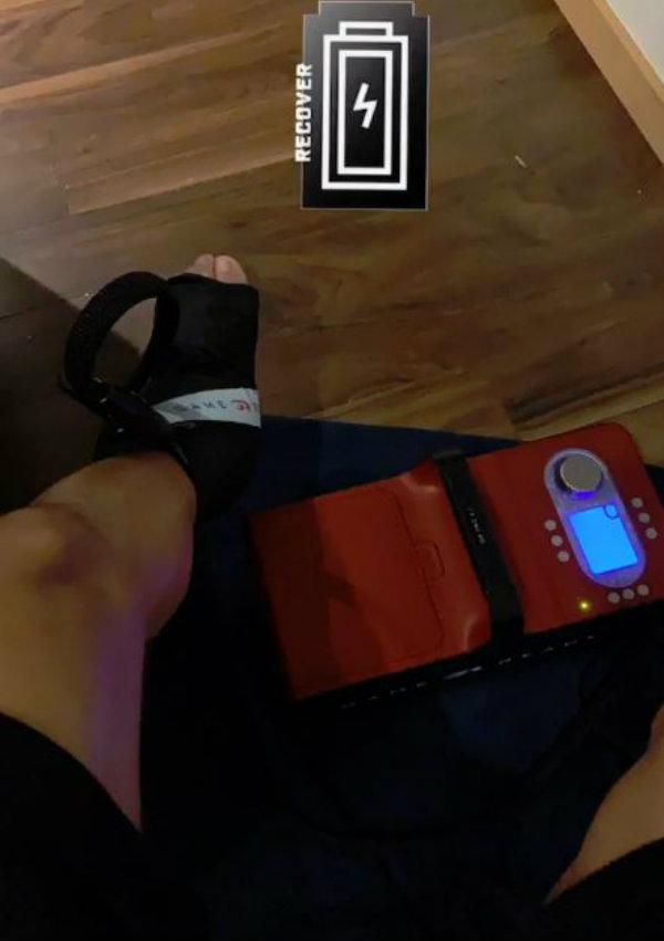 Tecatito muestra sesión de tratamiento