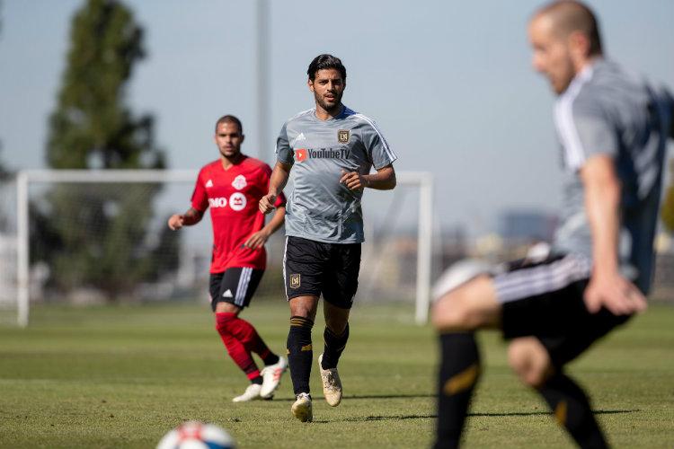 Golazo, 'hat-trick' y asistencia — Locura Carlos Vela