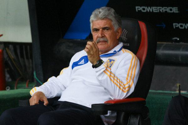Tras goleada de Tigres, Santos cesa a Salvador Reyes