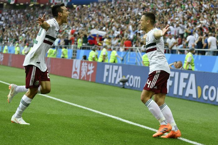 Lozano y Hernández festejan con el Tri