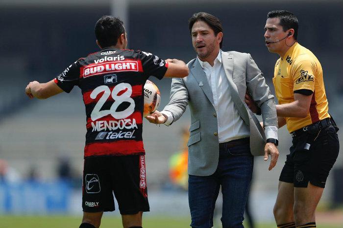 Sólo falta que Marioni le pegue a sus jugadores: Mendoza