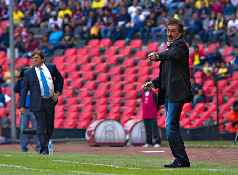 Miguel Herrera arremete contra Arturo Brizio