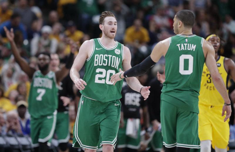 Hayward lidera a unos Celtics que barren a los Pacers sin piedad