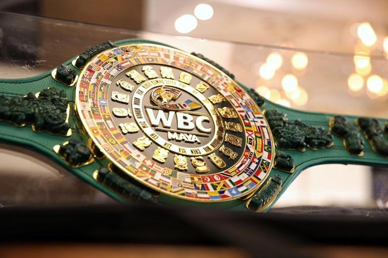 Presentan cinturón Maya para la pelea entre 'Canelo' y Jacobs
