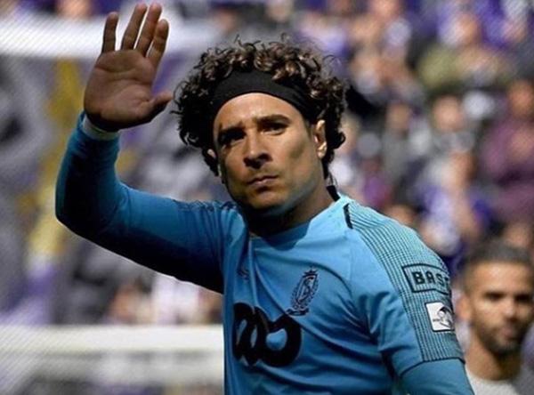 Memo Ochoa y Standard ganan y sueñan con Europa League