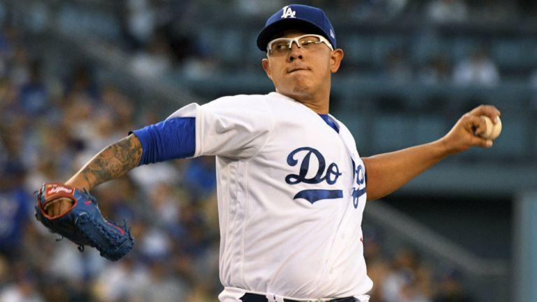 Dodgers reinstala a Urías; sigue investigación