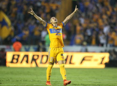 Chivas oficializa la llegada de Oswaldo Alanís