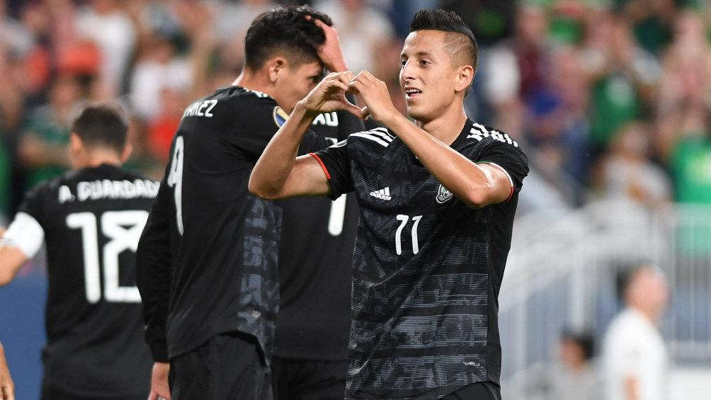 Yoshimar Yotún y otros seleccionados recibieron bienvenida del Cruz Azul