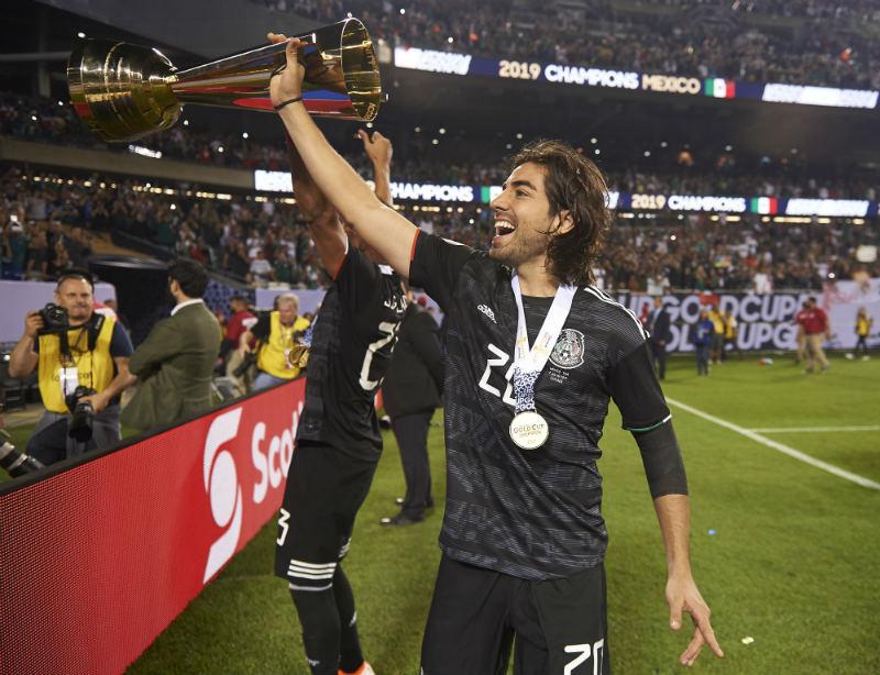 AC Milan se interesa por Rodolfo Pizarro