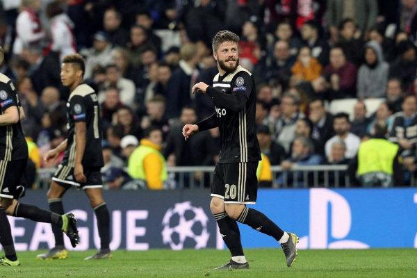 Ajax solo espera que América acepte la oferta por Edson