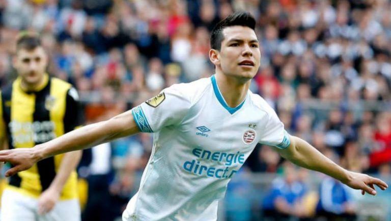Lozano, en festejo de gol con el PSV