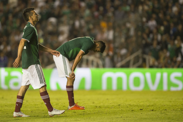 Hirving Lozano y Raúl Jiménez en actividad de Selección Nacional