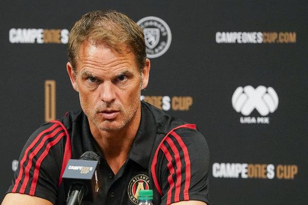 Frank de Boer técnico del Atlanta United en conferencia de prensa