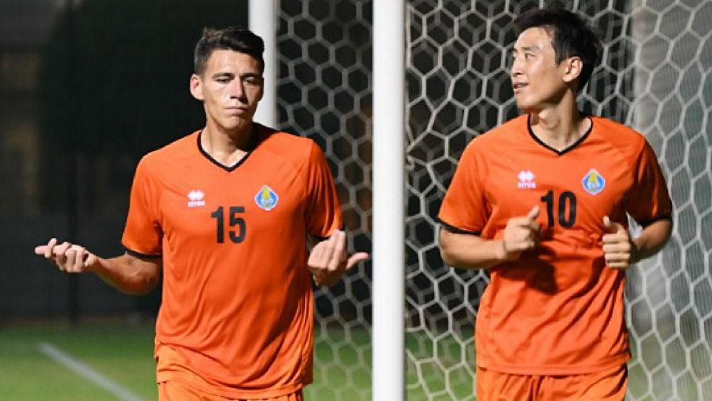 Héctor Moreno durante una práctica con el Al Gharafa