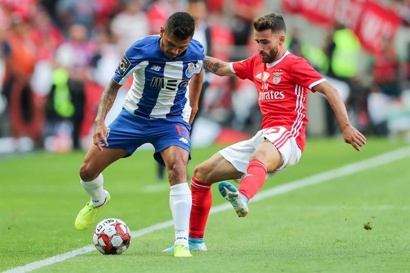 El Oporto se llevó el clásico en casa del Benfica