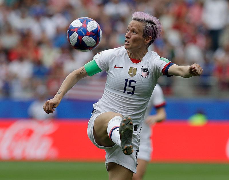 Megan Rapinoe en un partido con Estados Unidos