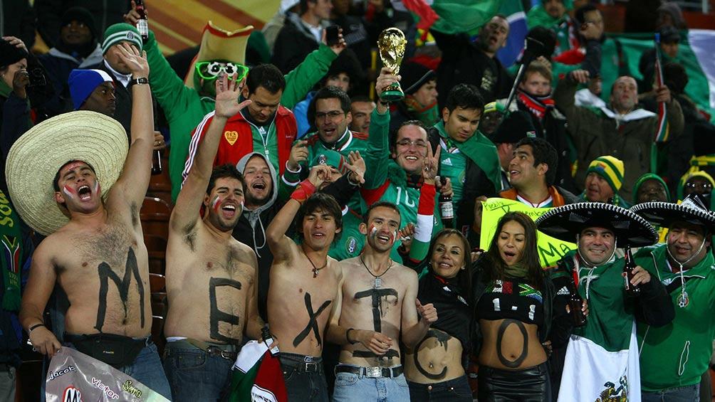 México puede quedar fuera de Qatar 2022 si no cesan cánticos discriminatorios