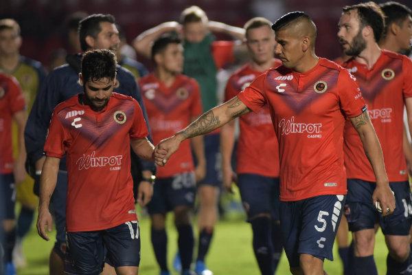 'Checo' Pérez se une al apoyo al Veracruz