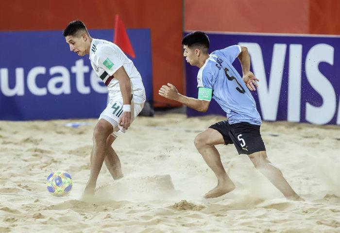 Mundial de Fútbol Playa: Uruguay juega hoy con Italia tras vencer en el final a México en el debut
