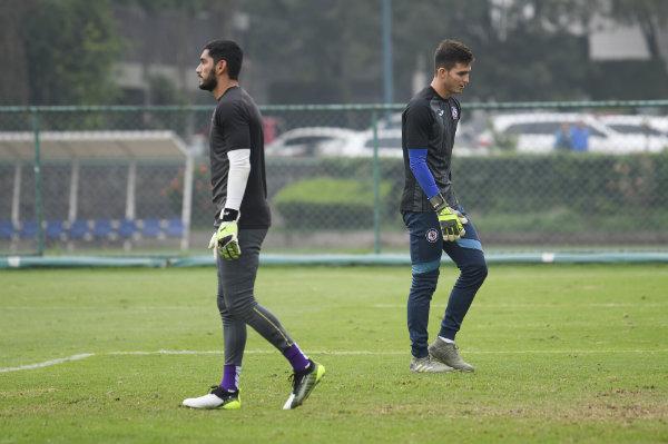 Cruz Azul y Corona firman extensión de contrato