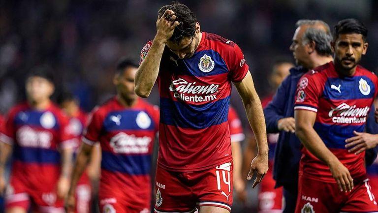Sancionan a Cristian Calderón y Uriel Antuna por indisciplina — Chivas
