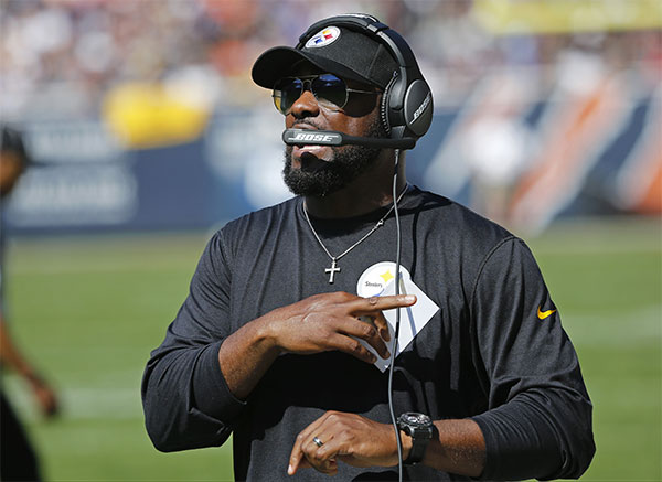 El head coach de Steelers en un partido