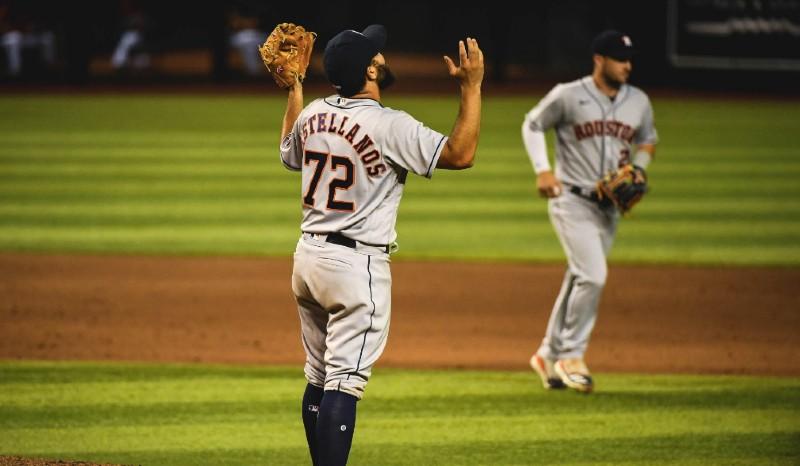 Mexicano Humberto Castellanos debuta con Houston Astros