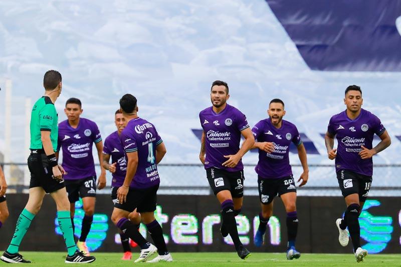 Mazatlán de los chilenos consiguió el primer triunfo de su historia