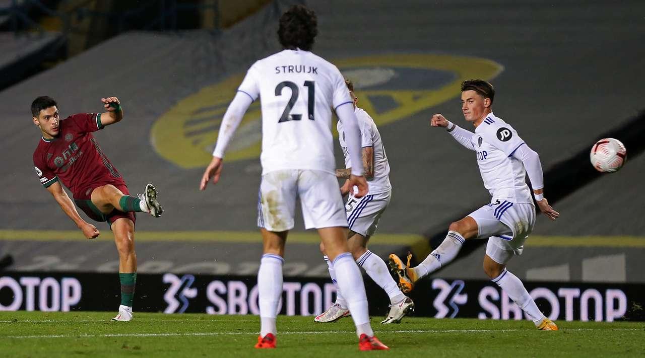 Raúl Jiménez marca el gol del triunfo de Wolverhampton ante Leeds, es su tercero de la temporada