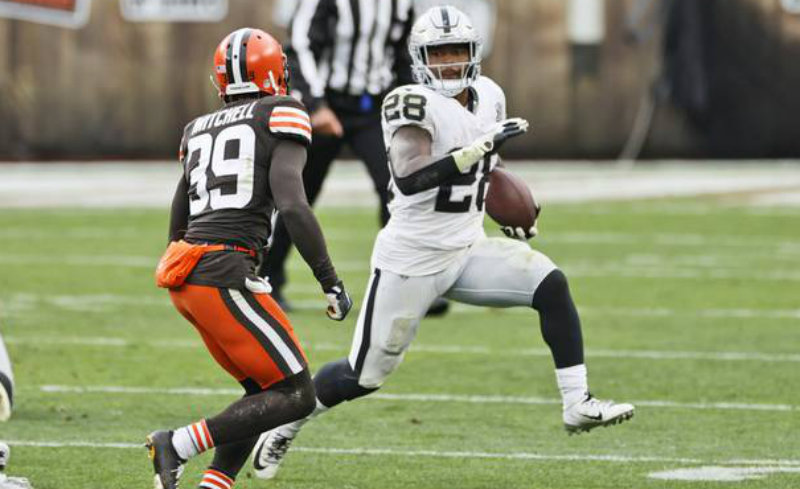 Jacobs en duelo ante Cleveland Browns