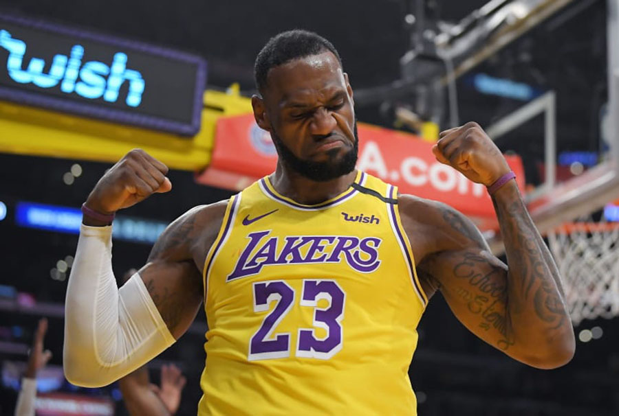James en duelo con Lakers en 2021