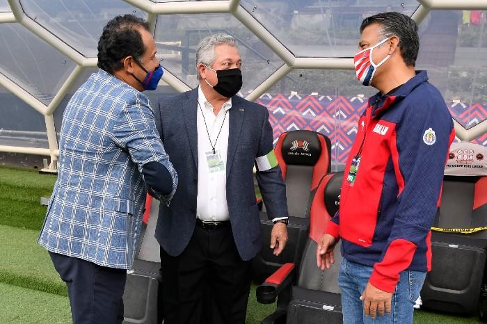 Vucetich conversa con Reynoso antes del partido
