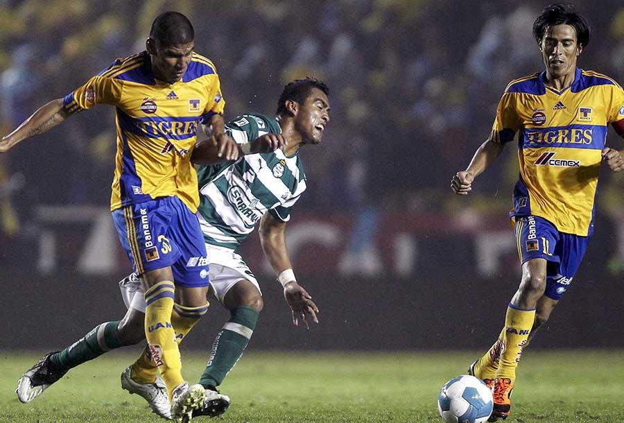 Tigres venció a Santos en el Apertura 2011