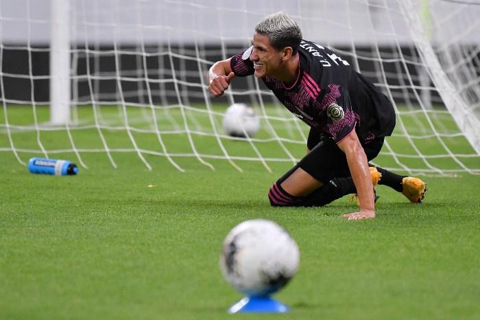 Uriel Antuna en lamento con Selección Mexicana