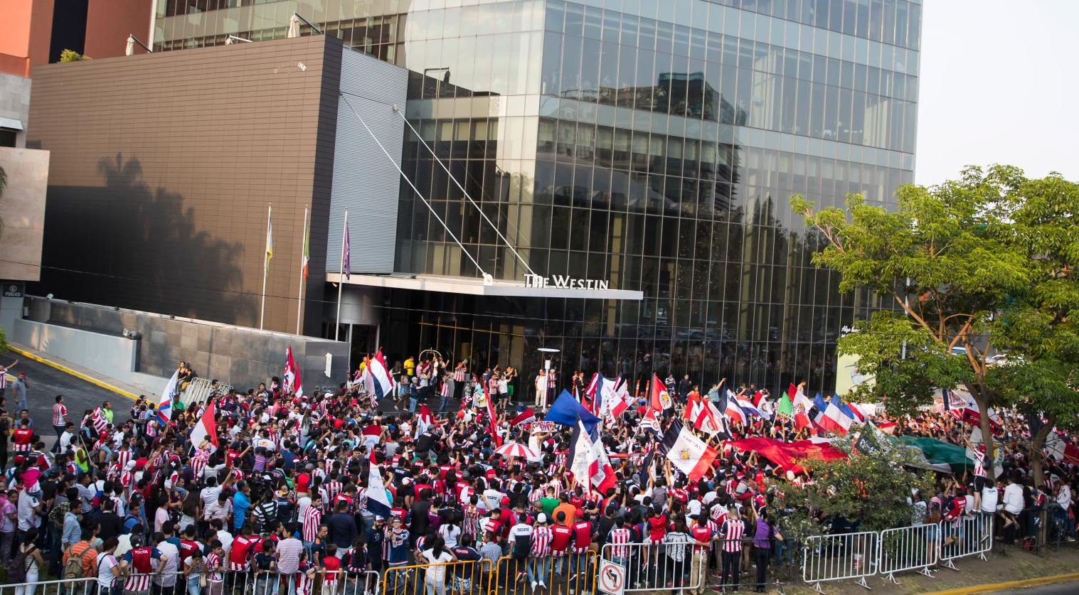 Todos en unión por un solo color y equipo, el Guadalajara
