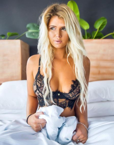 Su nombre es Holly Daze Coffey