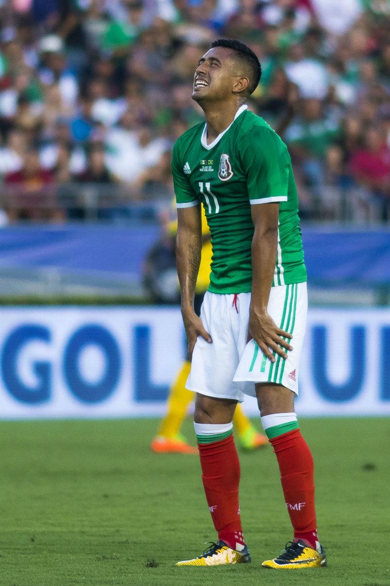 Elías Hernández lanza un quejido luego de que las cosas no le salieron bien en el campo