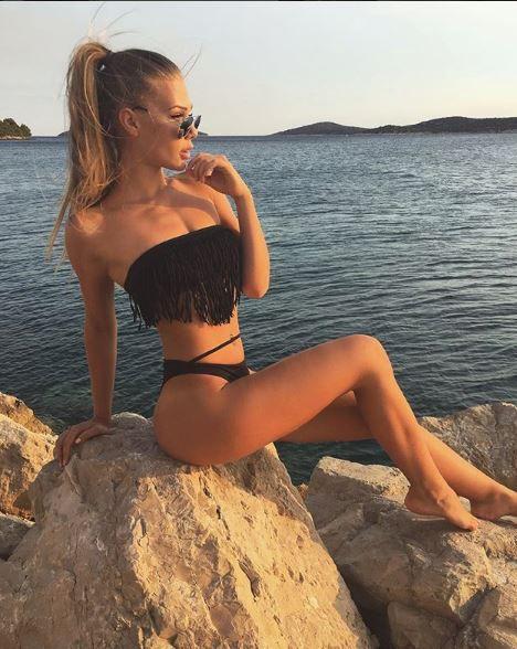 Ella es la hermosa Kim Lamarin