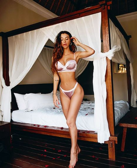Bikini o lencería, las dos prendas lucen perfectas en su figura
