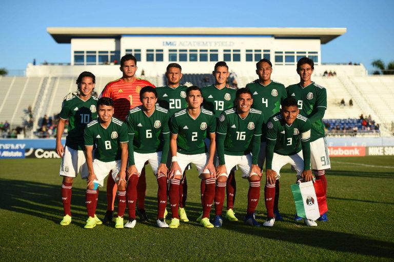 México se toma la foto oficial previo al duelo contra El Salvador