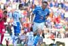 Christian Giménez celebra un gol con La Máquina