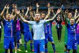 Jugadores de Islandia agradecen a su afición el apoyo en la Euro